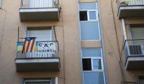 Pisos de Barcelona donde un vecino protesta por los pisos turísticos (ABC)