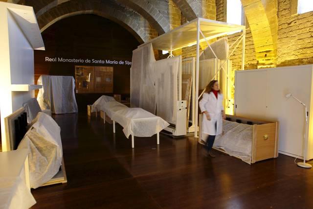 Los técnicos de la DGA siguen trabajando en el examen de las piezas trasladadas al monasterio.