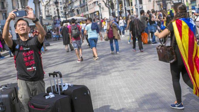 Un turista japonés, en las calles de Barcelona