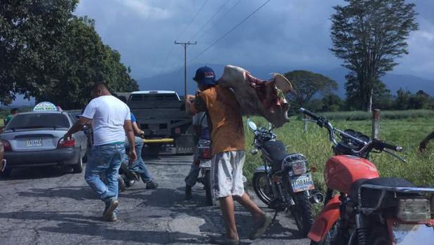Saqueos en el municipio Caracciolo Parra Olmedo (estado Mérida) - Twitter