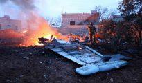 Parte del avión derribado.