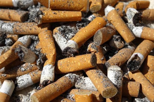 El alquitrán que los fumadores inhalan sería de dos a 10 veces superior a lo establecido.