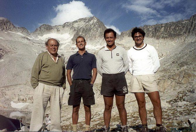 El ex presidente de la Generalitat, Jordi Pujol, en el monte Aneto con sus hijos Pere, Jordi y Oriol.