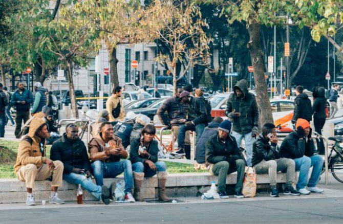 Nigerianos en Milán.