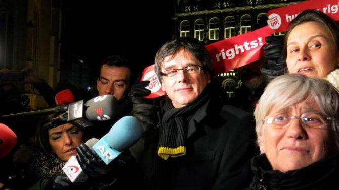El expresidente catalán Carles Puigdemont durante una concentración en la localidad belga de Lovaina