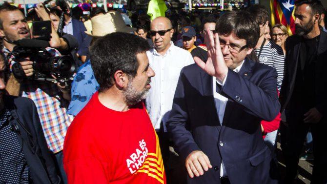 Jordi Sánchez y Carles Puigdemont.