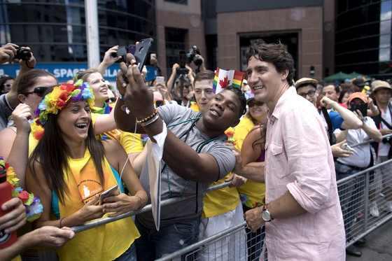 Justin Trudeau en la Marcha por el Orgullo Gay en Toronto