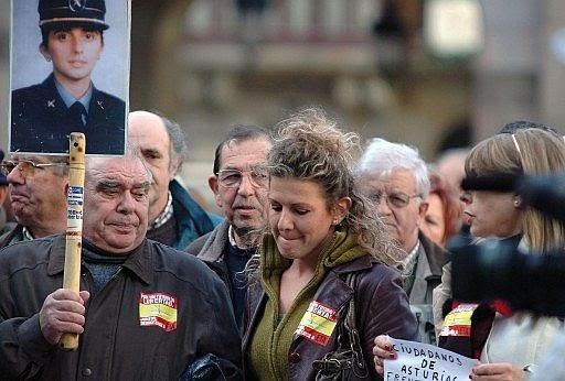 Manifestación de duelo en el último adiós a Irene Fernández Pereda