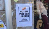 """Una empresa barcelonesa con el distintivo """"tabarnés""""."""