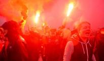 La afición del Liverpool anima a su equipo antes del partido