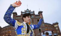 Álvaro Lorenzo, por la Puerta Grande de Madrid el Domingo de Resurrección