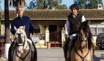 Andrea Bocelli y Diego Ventura, a caballo en la finca del rejoneador en La Puebla del Río