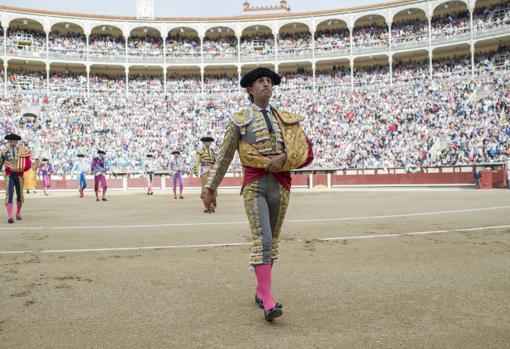 Paseíllo de Fandiño ante un Madrid rebosante de expectación