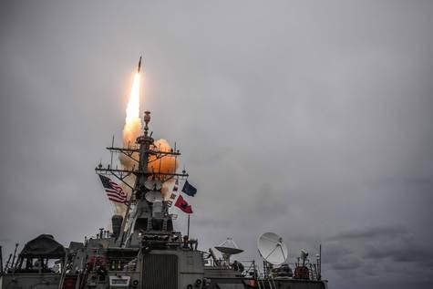 Lanzamiento de misiles contra Siria.