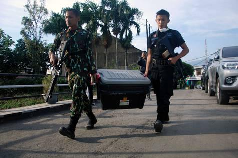 Policía indonesia en la provincia de Aceh.
