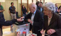 Jordi Pujol votando en el referéndum ilegal del 1 de octubre.