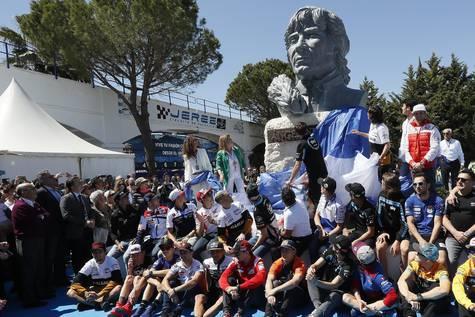 Imagen del busto de Ángel Nieto colocado en el circuito de Jerez.