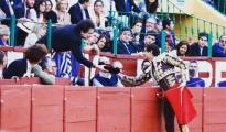 Andrés Roca Rey brindó en Jerez una faena de rabo a Andrés Calamaro -