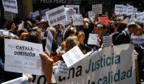 Imagen de la protesta de este viernes a las puertas del Ministerio de Justicia.