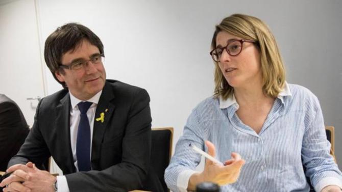 Puigdemont se reúne en Berlín con diputados de JxCat