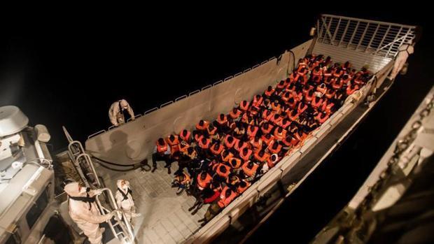 Refugiados a bordo del Aquarius.
