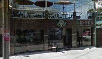 Cafetería donde se produjo el asalto y el tiroteo.