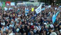 Manifestación contra Macri por pedir un crédito mil millonario al FMI en una foto de archivo