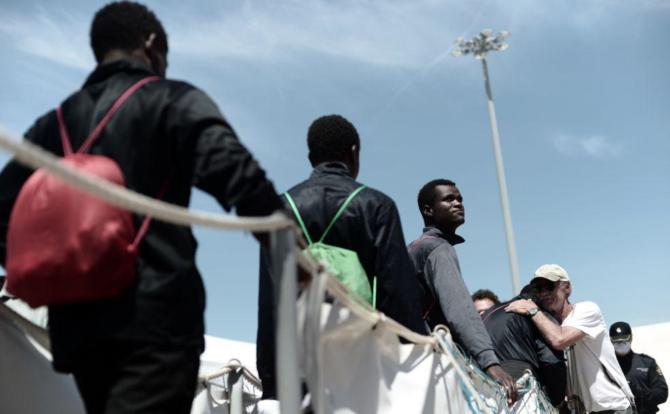 Inmigrantes del Aquarium desembarcando.