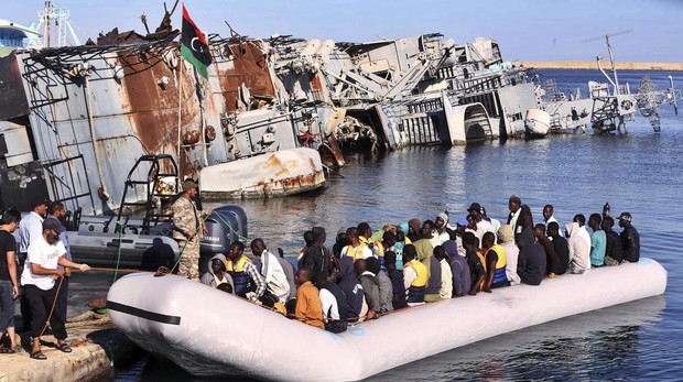 Italia cierra sus puertos a las naves cargadas de inmigrantes