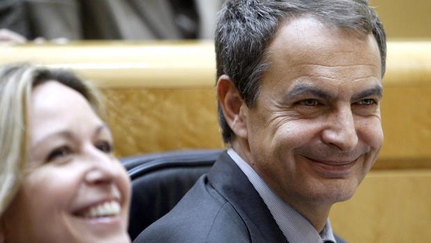 El expresidente del Gobierno, José Luis Rodríguez Zapatero, y la exministra de Sanidad, Trinidad Jiménez