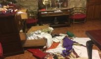 Cajones revueltos y hábitos en el suelo de la sacristía - ARCHIDIÓCESIS DE MADRID
