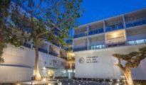 Policlínica del Rosario de Ibiza donde permanece ingresado el agresor.