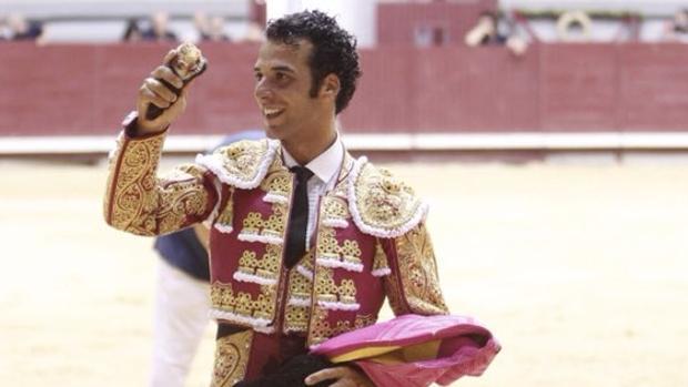 Morenito de Aranda pasaea una oreja - Coliseum Burgos