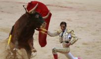 Juan José Padilla, rodilla en tierra en Pamplona