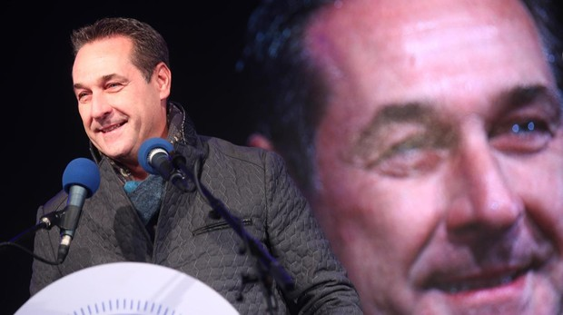 Heinz-Christian Strache durante un mitin electoral