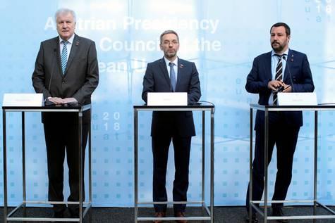 El ministro austríaco del Interior, Herbert Kickl, el ministro alemán Horst Seehofer, y el vicepresidente italiano Matteo Salvini