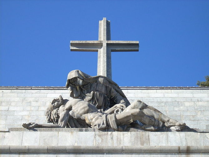 Vía Crucis en el Valle de los Caídos