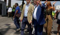 El líder del PP, Pablo Casado (i) y el presidente de Melilla, Juan José Imbroda.