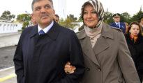 Abdullah Gül (izquierda), presidente de Turquía de 2007 a 2014, tenía 30 años cuando se caso con su esposa Hayrünnisa (derecha), que a la sazón contaba 15.