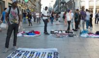 Manteros en la Puerta del Sol, Madrid (ABC)