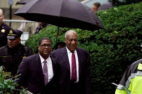 Bill Cosby a su llegada al tribunal