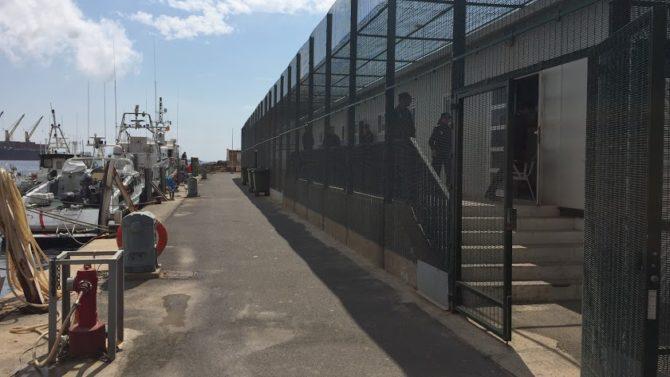 Módulos de custodia del Puerto de Almería (La Voz de Almería)