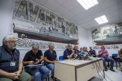 El comité de empresa del astillero de Navantia, durante una rueda de prensa.