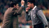 Brito Arceo discute con Camacho en un partido en 1997.