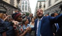 El ministro del Interior y vicepresidente del Gobierno italiano, Matteo Salvini, en Nápoles