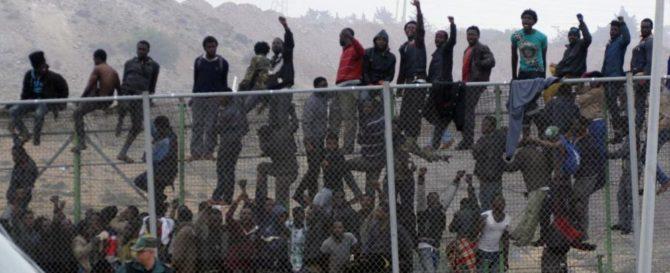 Imagen de archivo de un asalto a la valla de Melilla