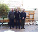 Josep Anglada con los ex líderes de Vox en Badajoz (i) y Álava (d)