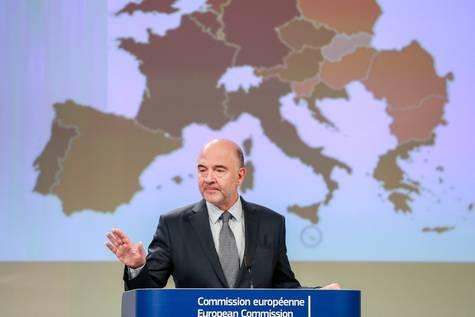El Comisario Europeo de Asuntos Económicos y Financieros en rueda de prensa.