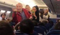 Así expulsan de un vuelo a una pareja de ancianos españoles que no entendían el inglés