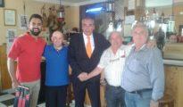Armando Robles, en el centro de la imagen.